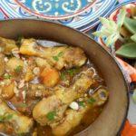 tajine-de-poulet-aux-abricots-raisinsamandes-et-cachuc3a8tes-2-e1461794923134