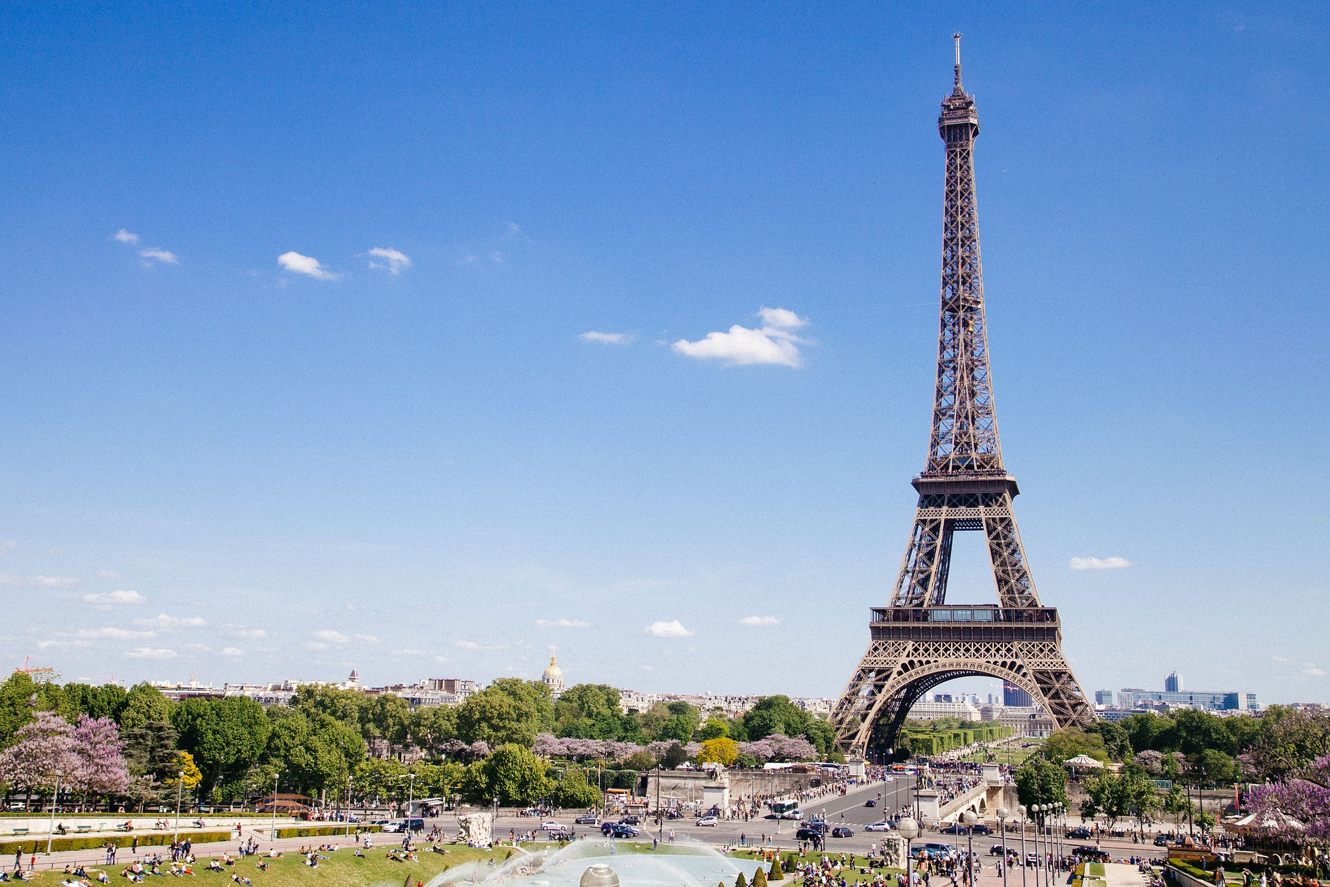 eiffel-tower-768501_1920
